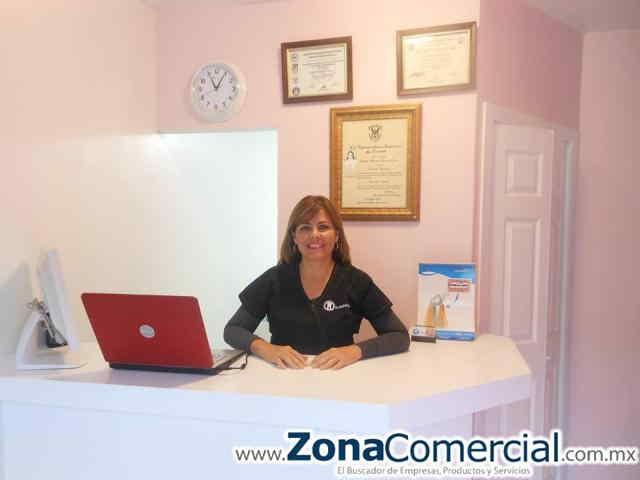 Dentista Claudia Castro