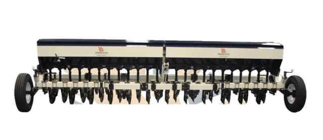 Sembradora de Trigo Sembradora triguera tradicional para granos finos de 4 surcos 24 salidas.